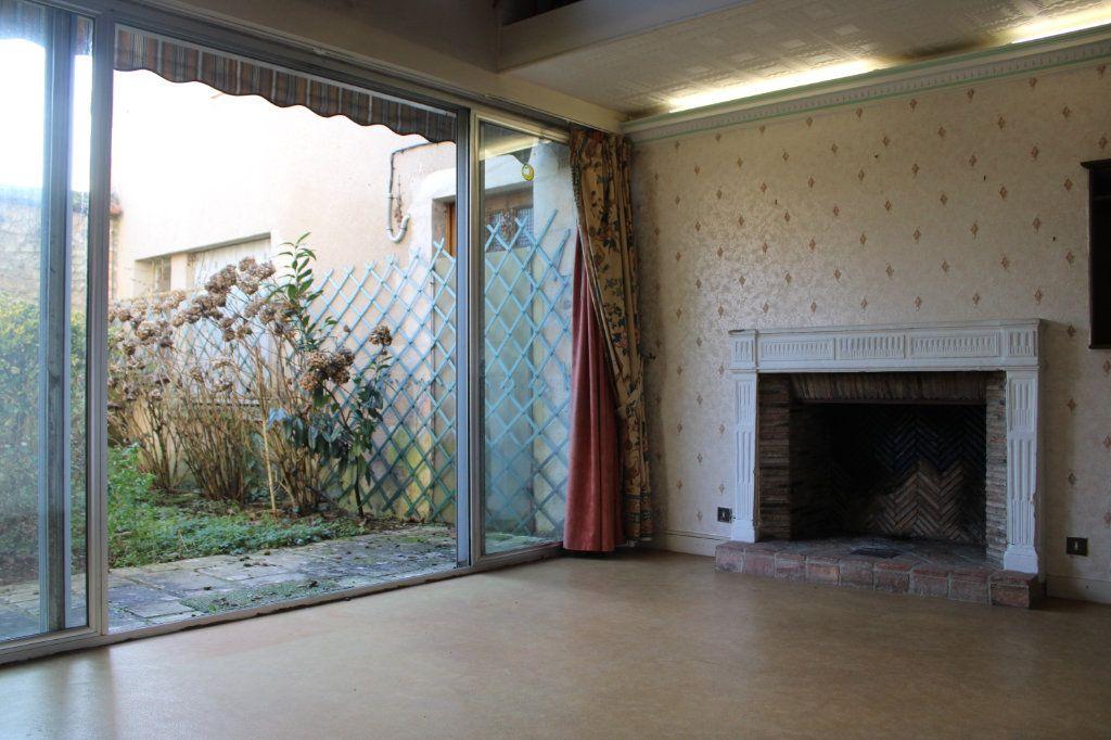 Maison à vendre 15 365m2 à Saint-Savin vignette-4