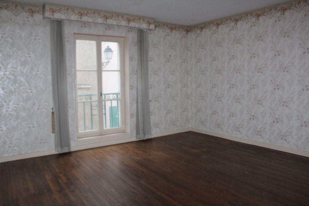 Maison à vendre 15 365m2 à Saint-Savin vignette-9