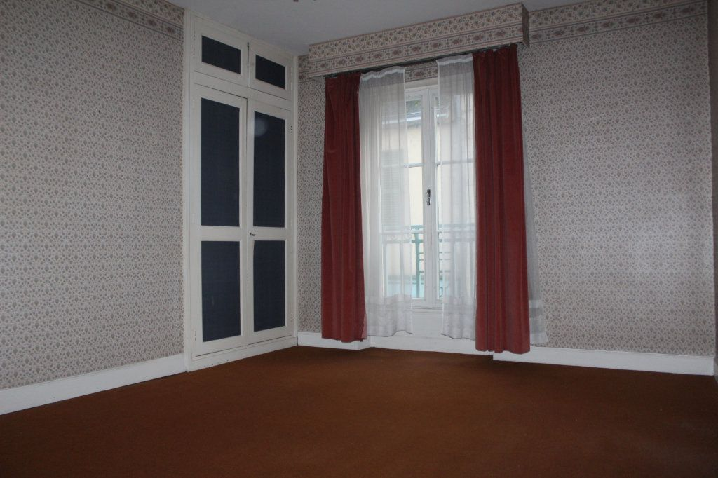 Maison à vendre 15 365m2 à Saint-Savin vignette-10