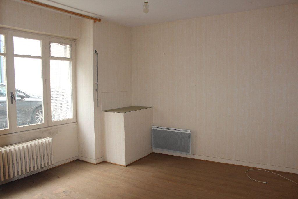 Maison à vendre 15 365m2 à Saint-Savin vignette-12