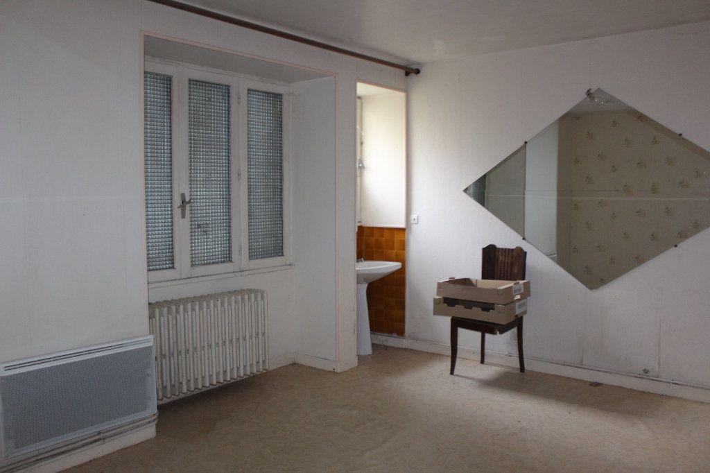 Maison à vendre 15 365m2 à Saint-Savin vignette-13