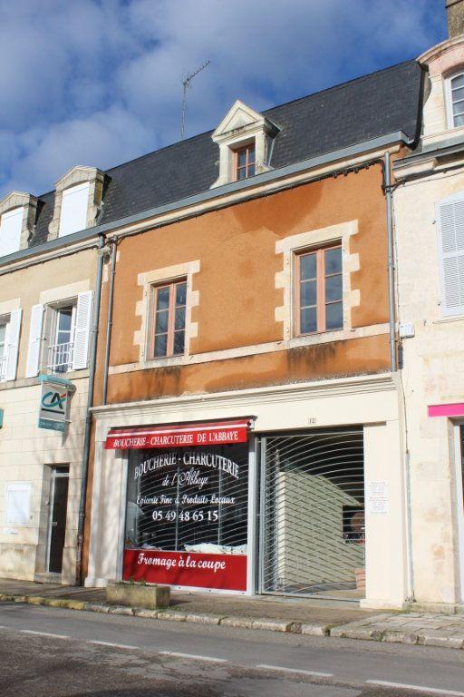 Immeuble à vendre 0 444m2 à Saint-Savin vignette-1