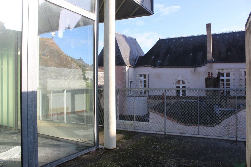 Immeuble à vendre 0 444m2 à Saint-Savin vignette-13