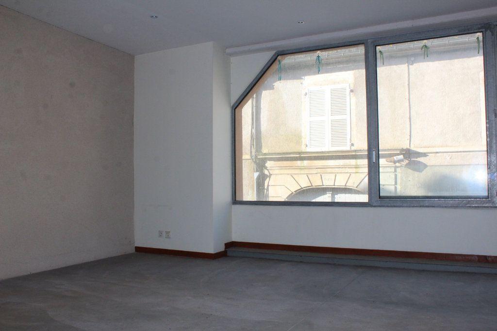 Immeuble à vendre 0 444m2 à Saint-Savin vignette-16