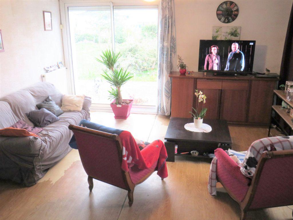 Maison à vendre 4 80m2 à Leignes-sur-Fontaine vignette-1