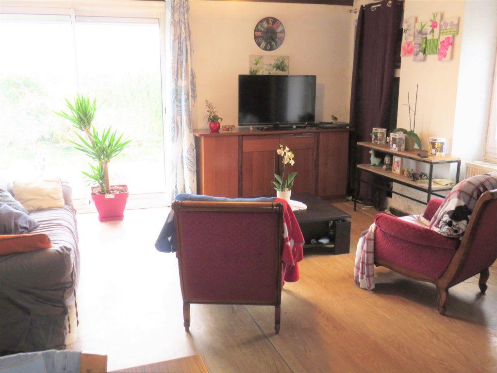 Maison à vendre 4 80m2 à Leignes-sur-Fontaine vignette-2