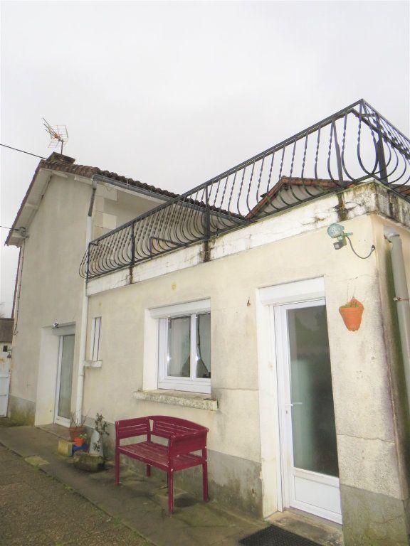 Maison à vendre 4 80m2 à Leignes-sur-Fontaine vignette-4