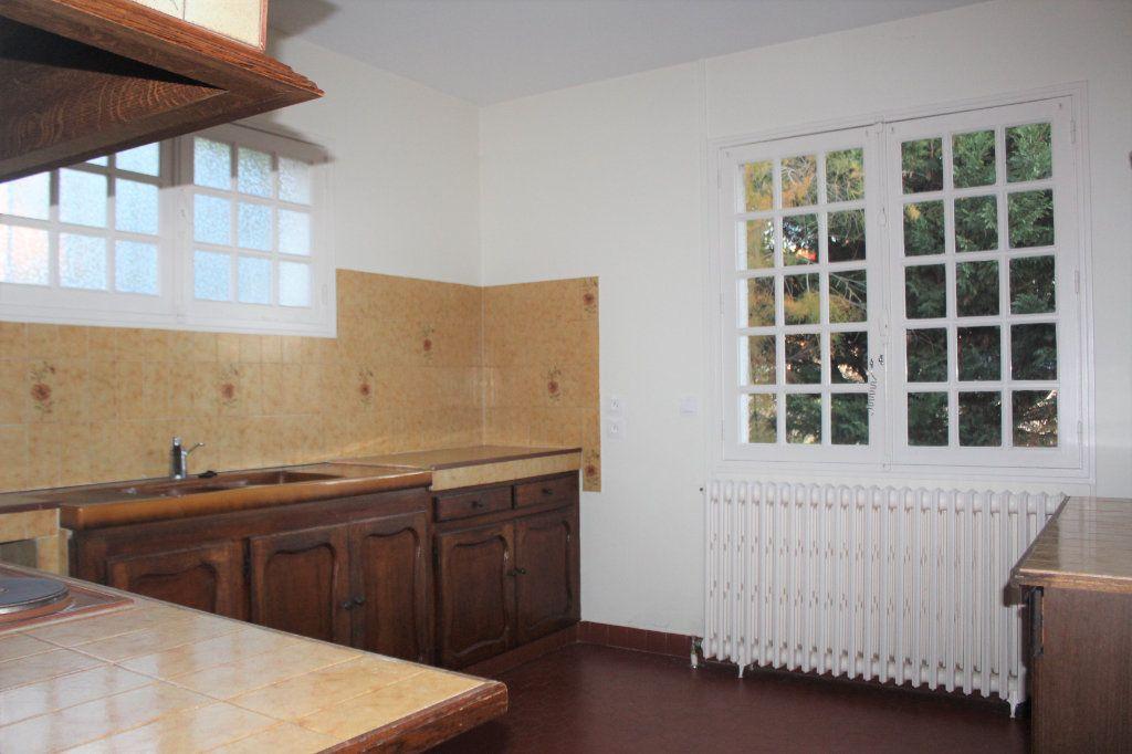 Maison à vendre 5 133.45m2 à Le Blanc vignette-4