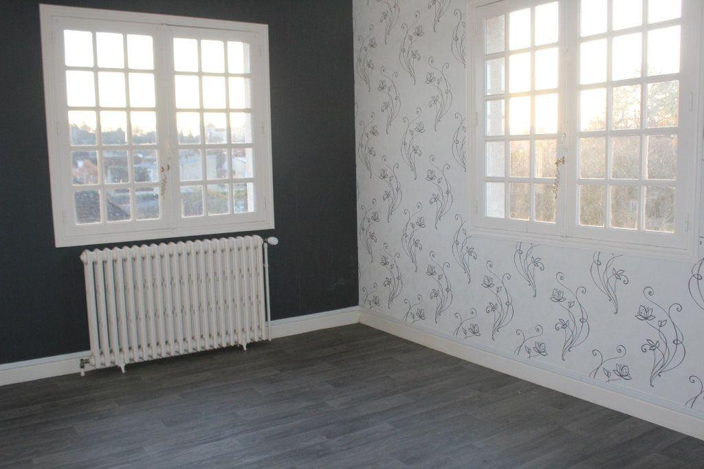Maison à vendre 5 133.45m2 à Le Blanc vignette-5