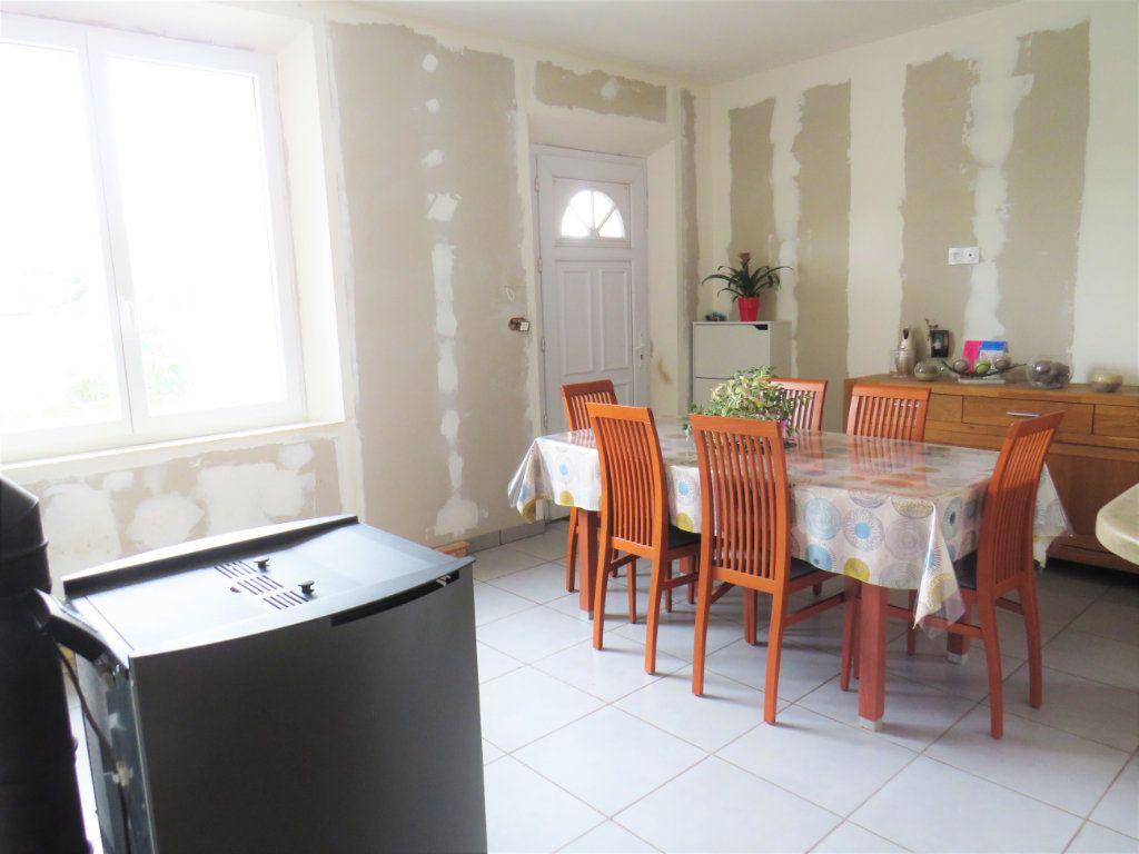 Maison à vendre 5 100m2 à Chapelle-Viviers vignette-7