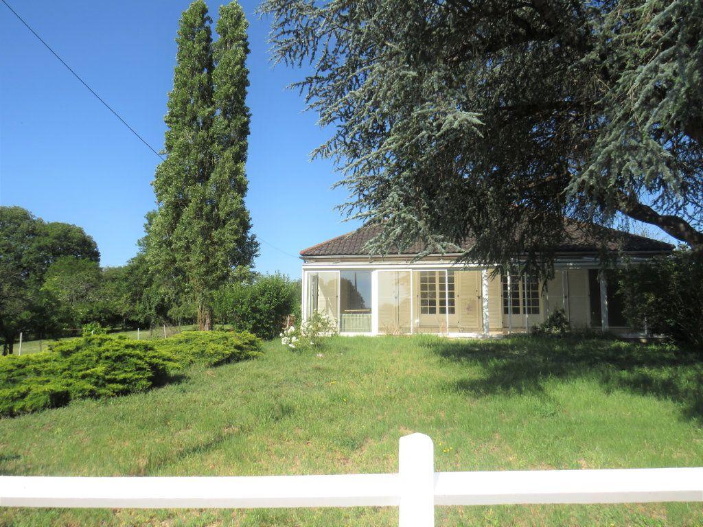 Maison à vendre 5 159m2 à La Trimouille vignette-1