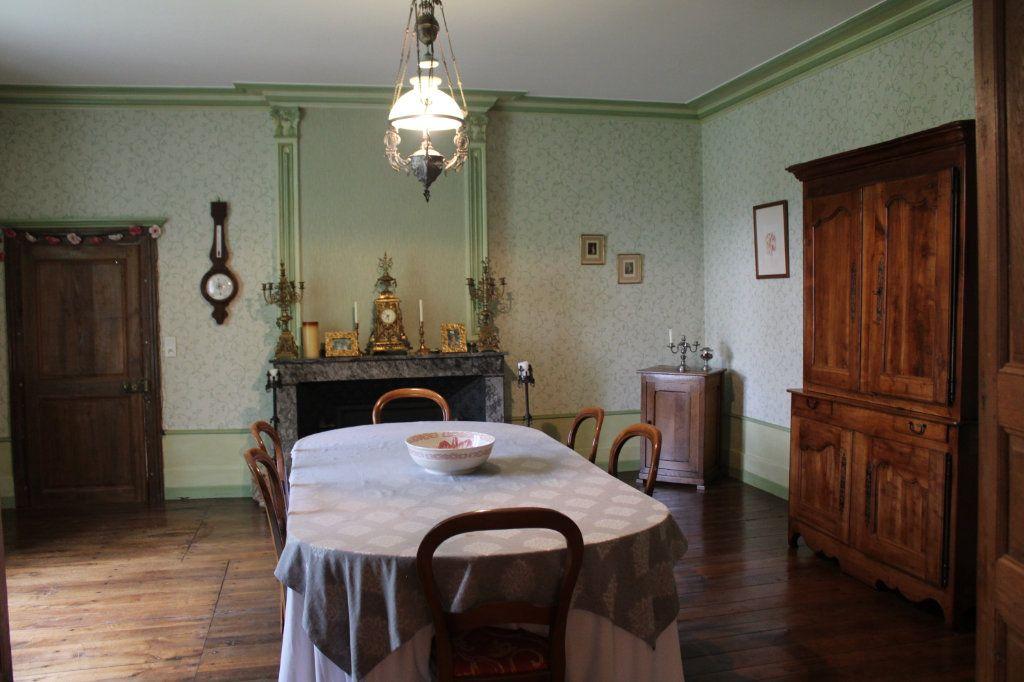 Maison à vendre 14 460m2 à Saint-Savin vignette-6
