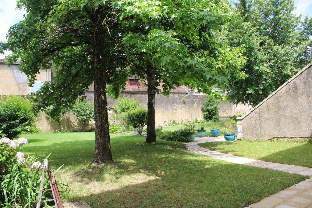 Maison à vendre 14 460m2 à Saint-Savin vignette-9