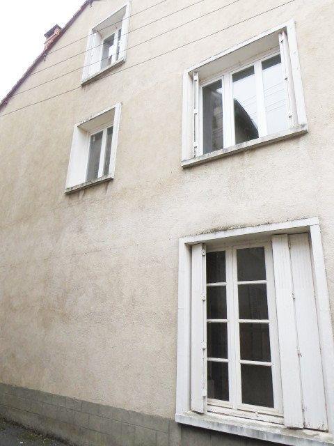 Maison à vendre 7 100m2 à Lussac-les-Châteaux vignette-1