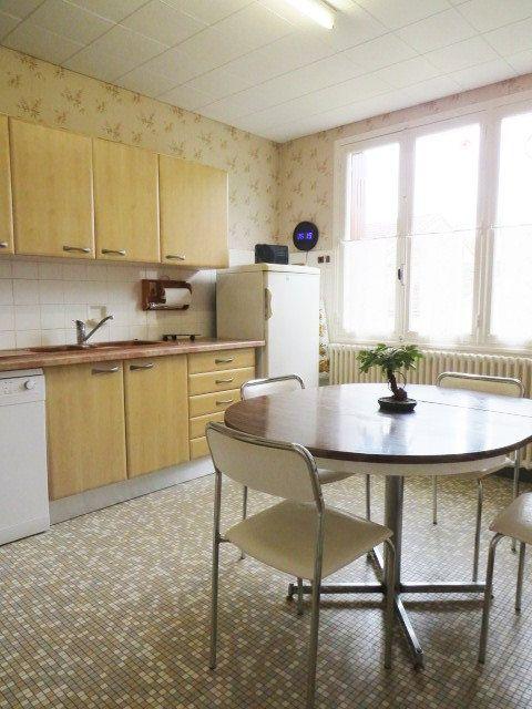 Maison à vendre 6 128.04m2 à Saulgé vignette-5