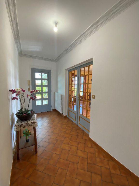 Maison à vendre 7 160m2 à Montmorillon vignette-1