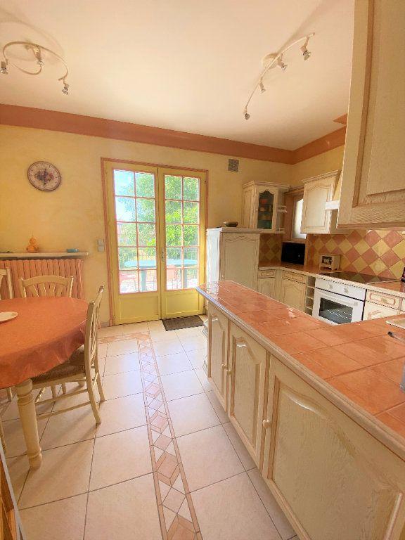 Maison à vendre 7 160m2 à Montmorillon vignette-2