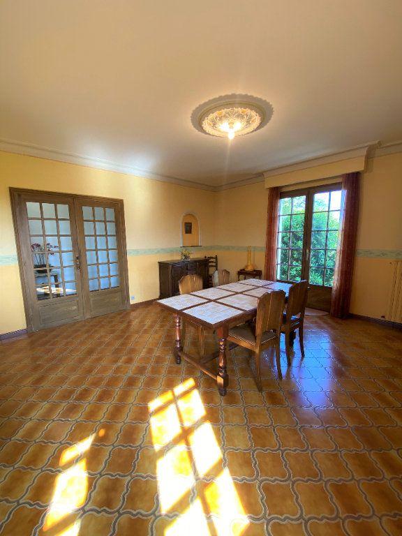 Maison à vendre 7 160m2 à Montmorillon vignette-3