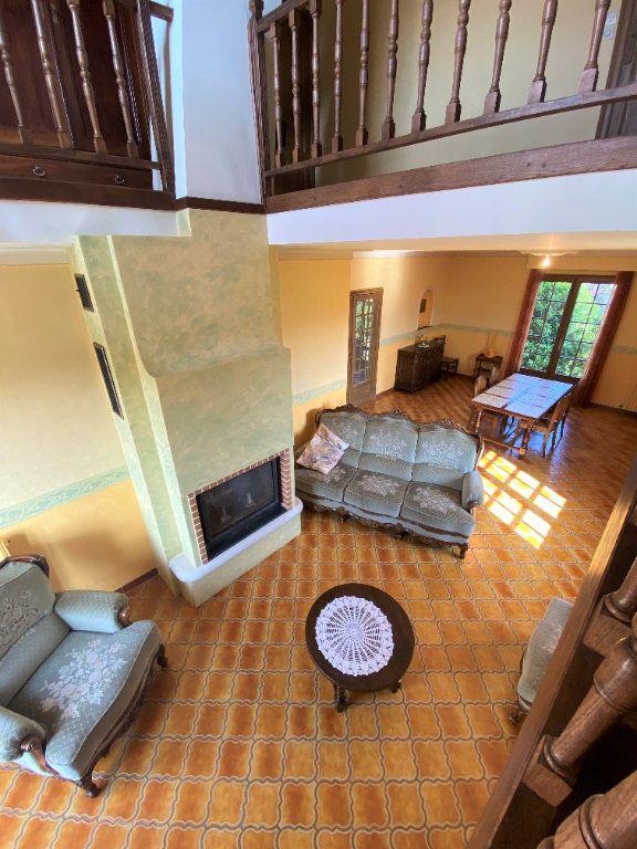 Maison à vendre 7 160m2 à Montmorillon vignette-4