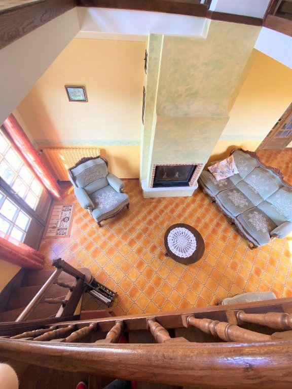 Maison à vendre 7 160m2 à Montmorillon vignette-6
