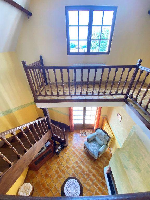 Maison à vendre 7 160m2 à Montmorillon vignette-7