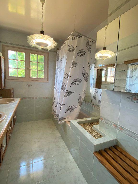 Maison à vendre 7 160m2 à Montmorillon vignette-10