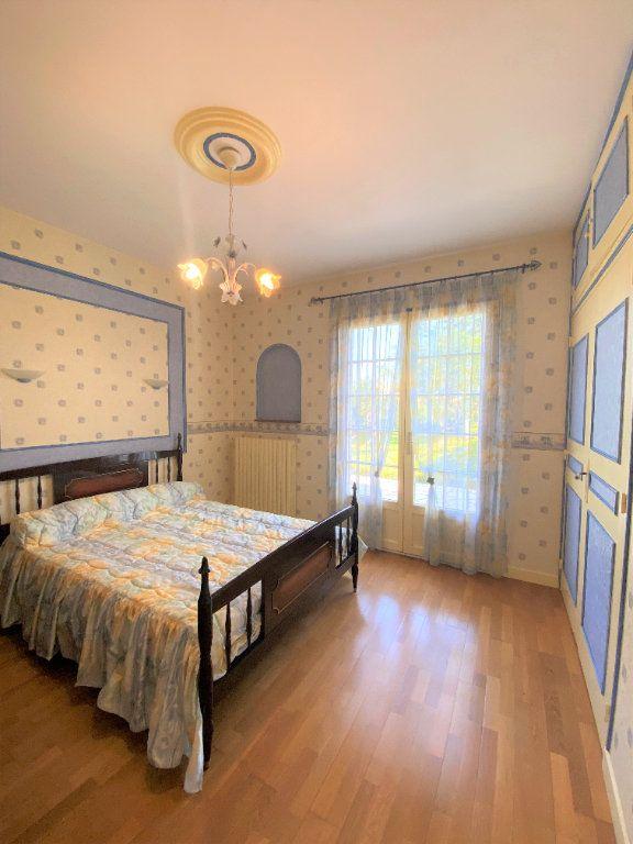 Maison à vendre 7 160m2 à Montmorillon vignette-11