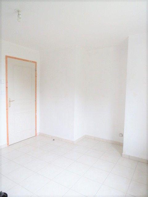 Maison à vendre 4 90m2 à La Puye vignette-6