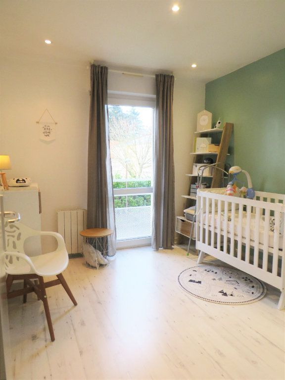 Maison à vendre 5 129.38m2 à Montmorillon vignette-3