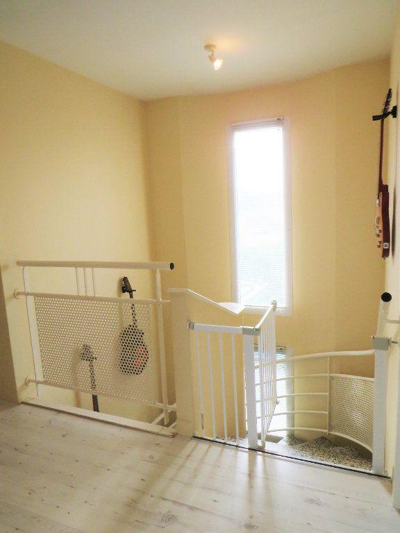 Maison à vendre 5 129.38m2 à Montmorillon vignette-7