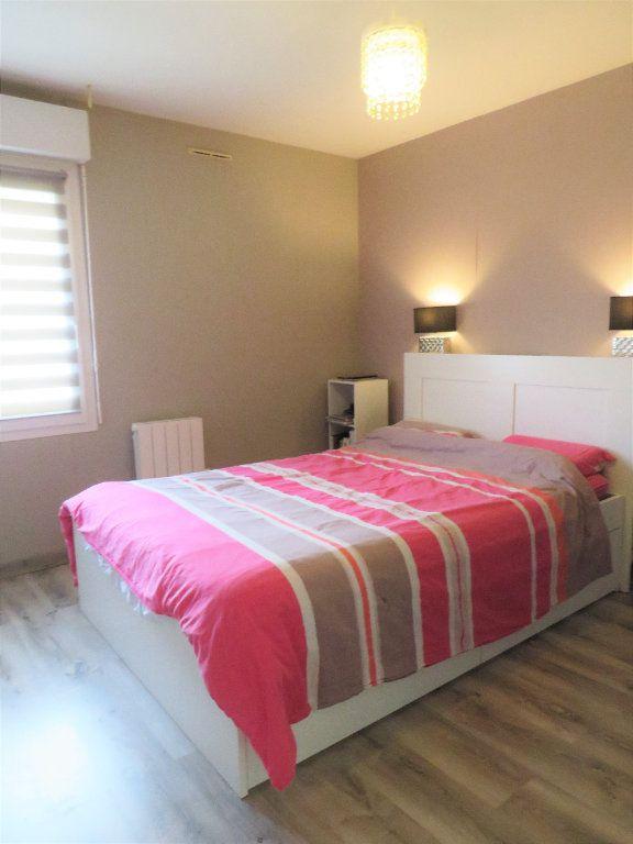 Maison à vendre 5 129.38m2 à Montmorillon vignette-8