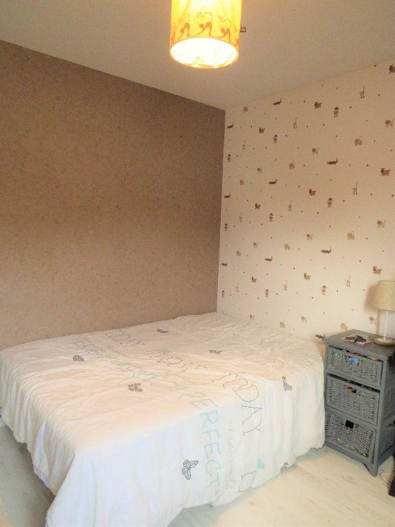 Maison à vendre 5 129.38m2 à Montmorillon vignette-9