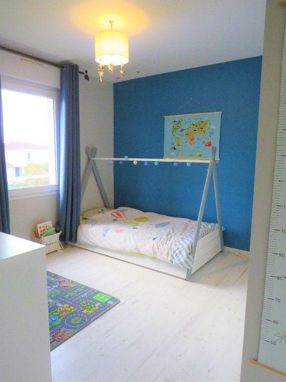 Maison à vendre 5 129.38m2 à Montmorillon vignette-10