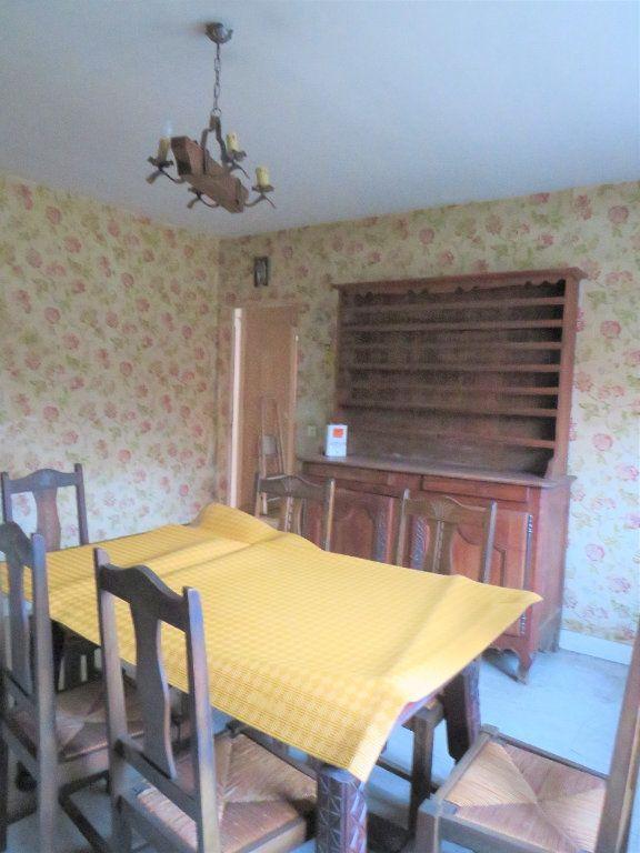 Maison à vendre 5 96.94m2 à Montmorillon vignette-3