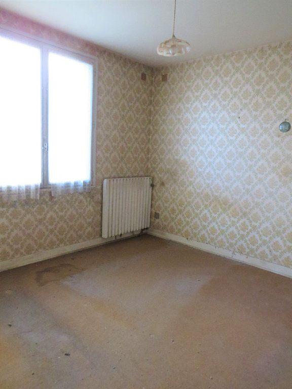 Maison à vendre 5 96.94m2 à Montmorillon vignette-5