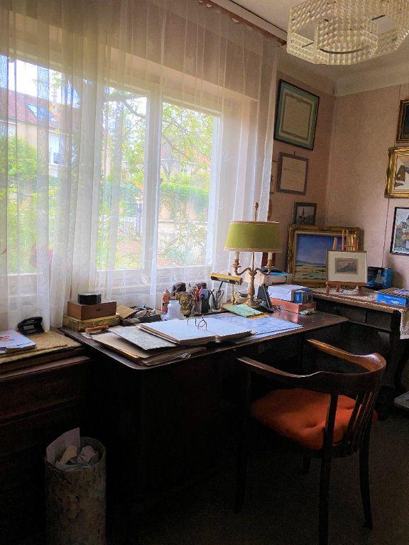 Maison à vendre 7 174m2 à Montmorillon vignette-1