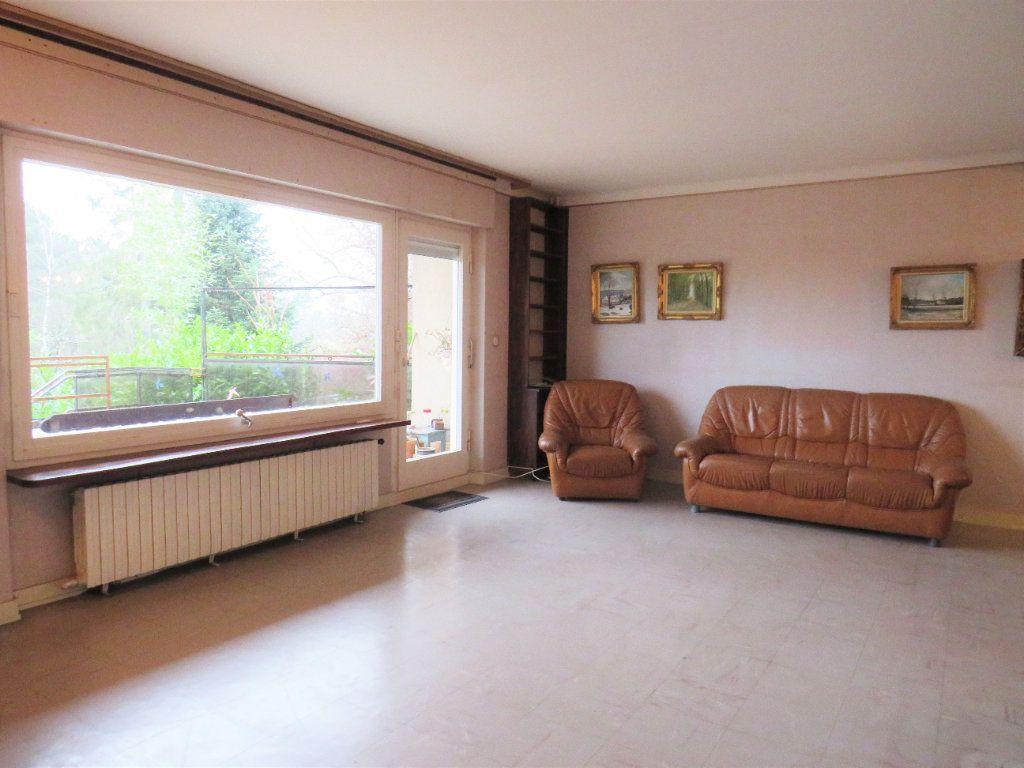 Maison à vendre 7 174m2 à Montmorillon vignette-3
