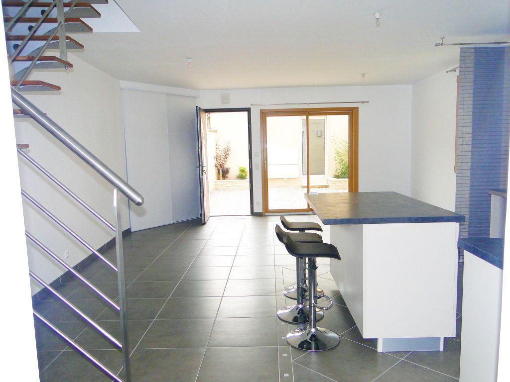 Maison à vendre 4 110m2 à Chauvigny vignette-1