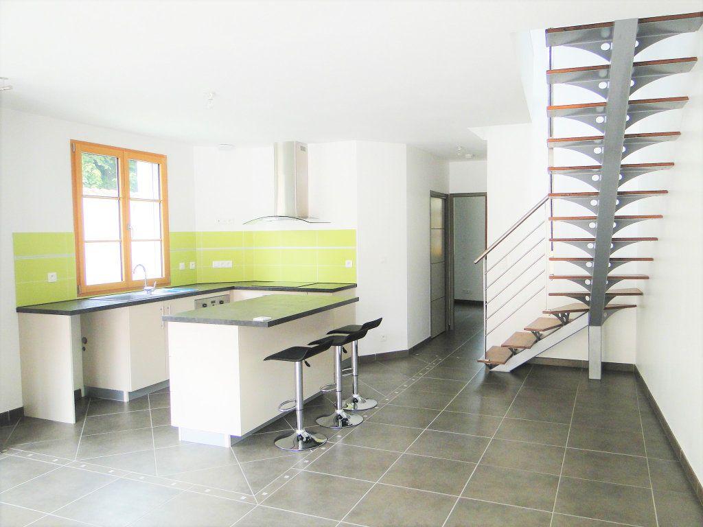Maison à vendre 4 110m2 à Chauvigny vignette-2