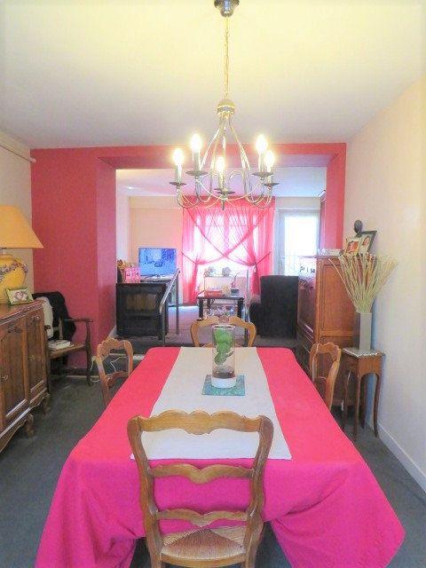 Maison à vendre 5 103.3m2 à Montmorillon vignette-1