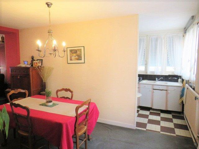 Maison à vendre 5 103.3m2 à Montmorillon vignette-5