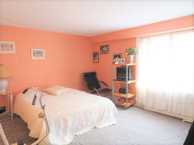 Maison à vendre 5 103.3m2 à Montmorillon vignette-9
