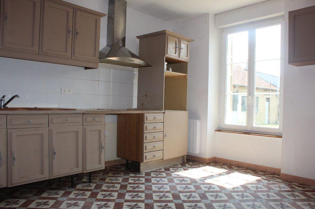 Maison à vendre 4 106m2 à Béthines vignette-3