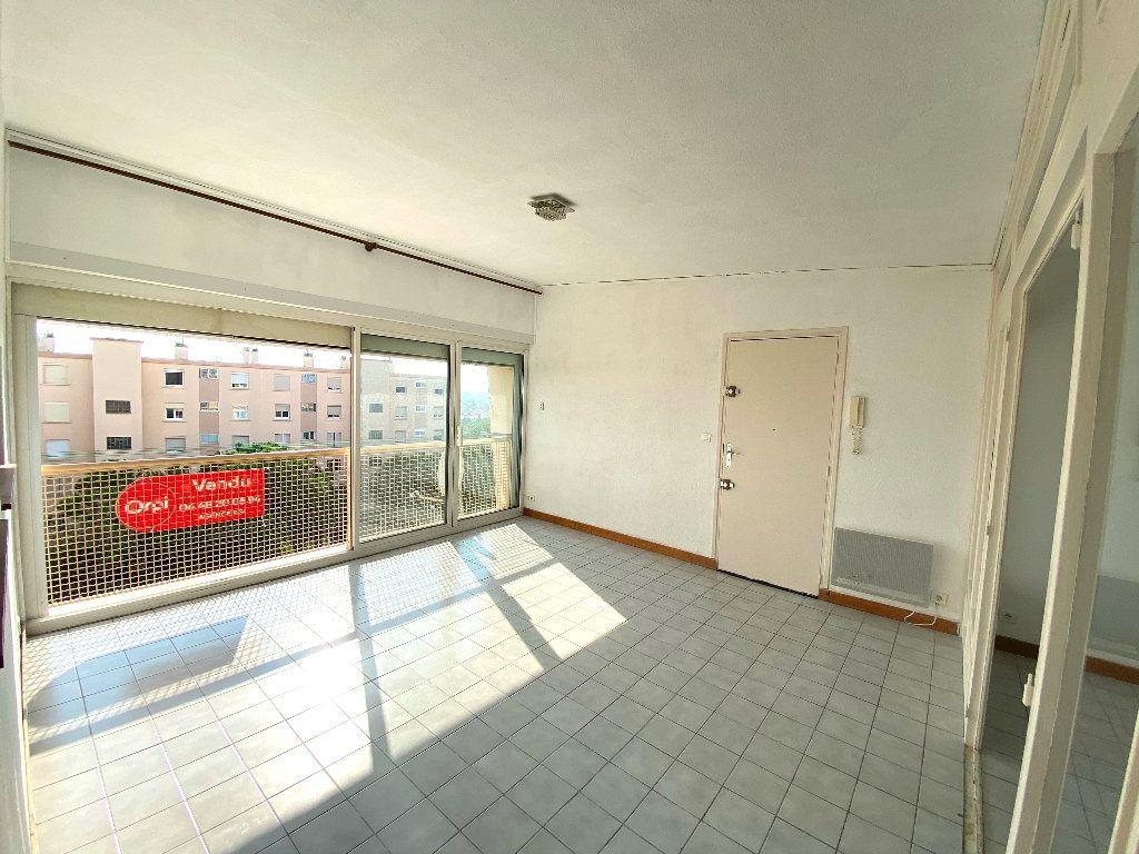 Appartement à vendre 4 90.24m2 à Béziers vignette-3