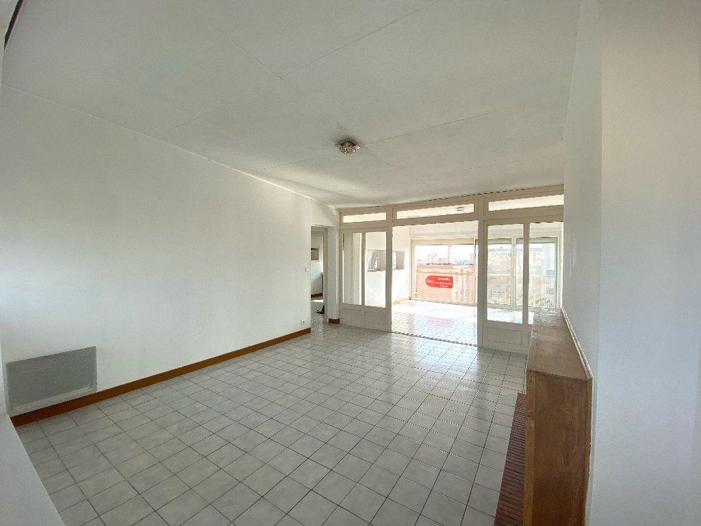 Appartement à vendre 4 90.24m2 à Béziers vignette-8