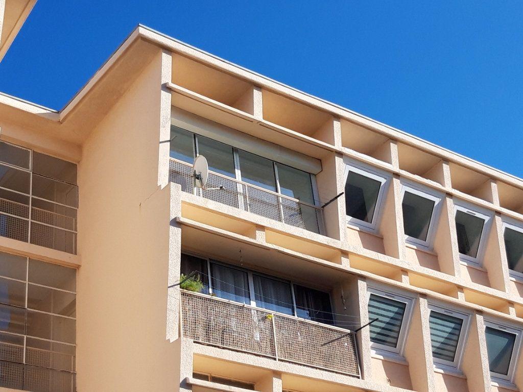 Appartement à vendre 4 90.24m2 à Béziers vignette-10