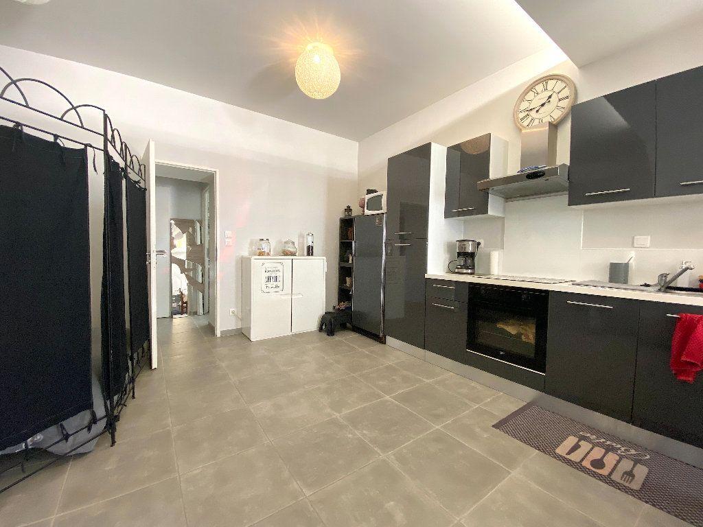 Maison à vendre 5 110m2 à Béziers vignette-11