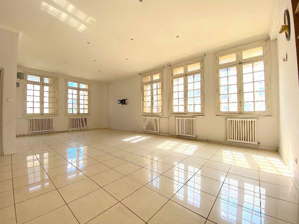 Appartement à vendre 5 196.96m2 à Béziers vignette-1