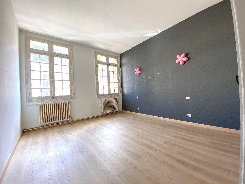 Appartement à vendre 5 196.96m2 à Béziers vignette-4