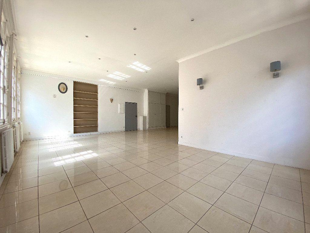 Appartement à vendre 5 196.96m2 à Béziers vignette-8